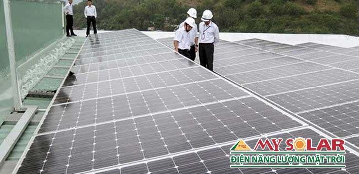 Hướng dẫn lắp đặt vào bảo dưỡng hệ thống điện mặt trời áp mái