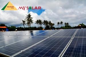 Một tấm pin mặt trời tạo ra bao nhiêu năng lượng?