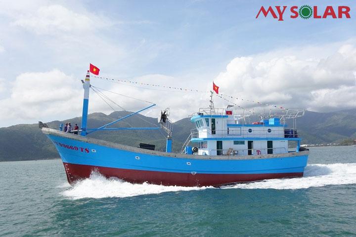 Điện năng lượng mặt trời cho tàu cá: Đảm bảo năng lượng trên vùng biển xa